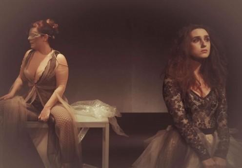 Flex promove conscientização sobre a violência contra a mulher com peça teatral