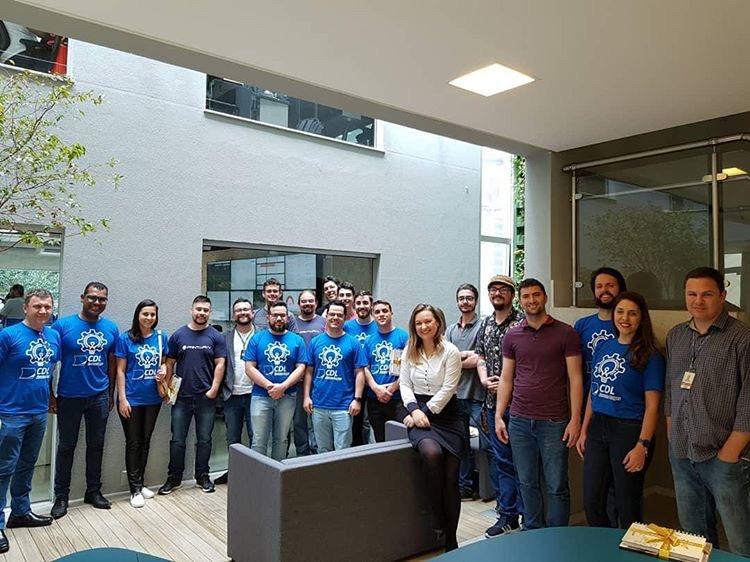 Jovens empresários da CDL Lages visitam unidade de tecnologia Flex